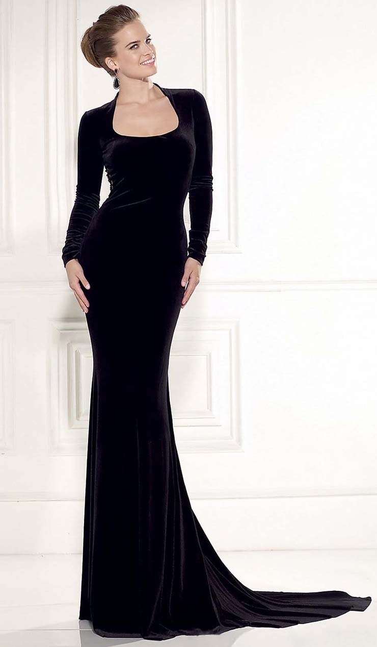 Classical Black Long Sleeves Hourglass Chapel Train Gown