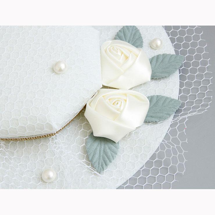 Charming White Flower Hair Clip, Flower Net Hair Clip Hat, Fashion Beach Hat for Women, Elegant Flower and Bead Hair Clip, Casual White Flower Hair Accessory, #J17271