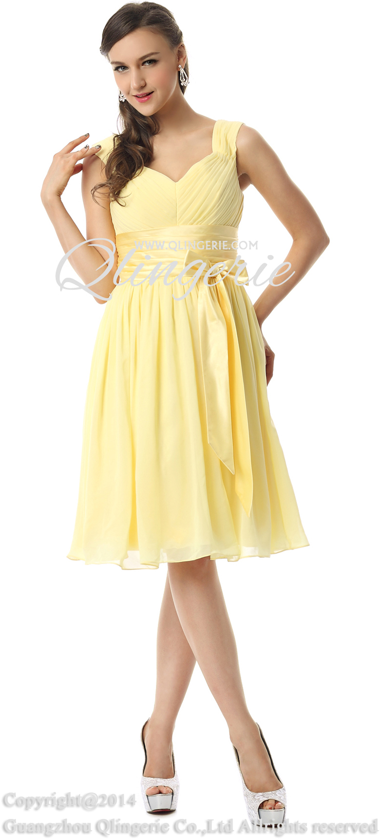 Yellow homecoming dresses are unique look which not everyone can pull off. We showcase a variety of yellow dresses in different styles and hues whether you are looking for a more subtle pastel yellow or a vibrant citrus yellow.