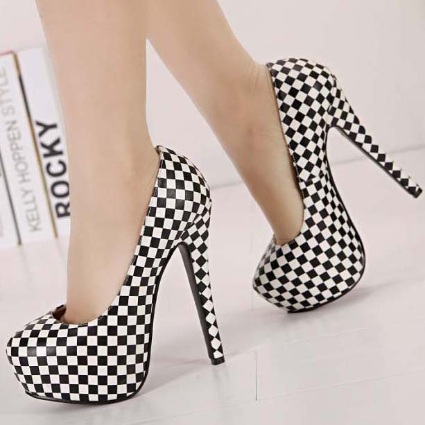 59c9d438c704 Fashion Black and White Plaid Pattern Round Toe High-heeled Pumps SWS20334