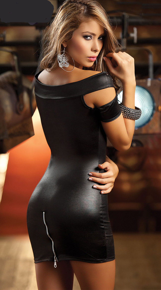 pictures of women in tight dresses