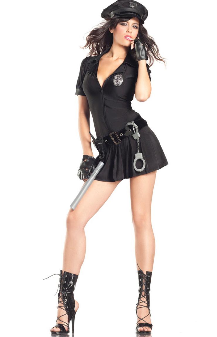 Девушки-полицейские связанные